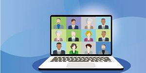 Virtuelle Konferenz auf einem Laptop-Bildschirm